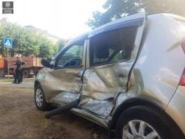 На ХТЗ Renault не пропустил маршрутку с пассажирами
